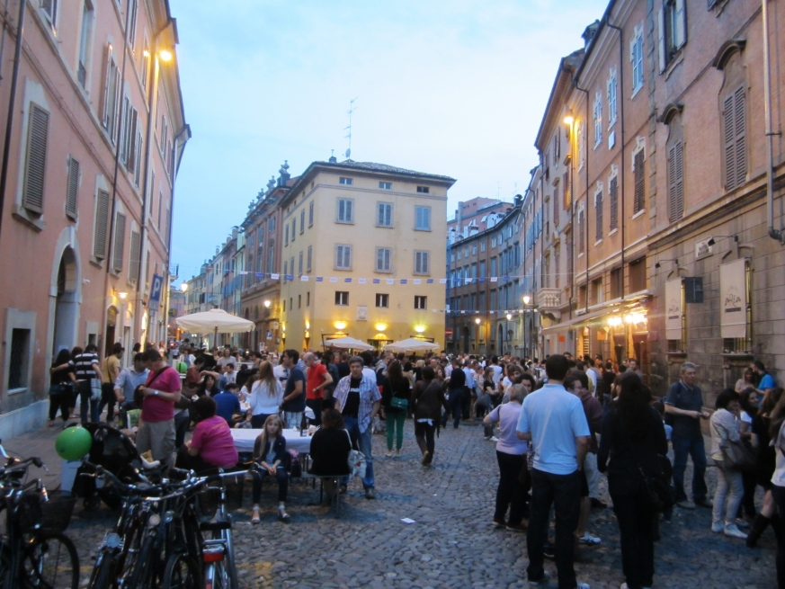 The most popular square for bars - go here to see & be seen in true Italian style.