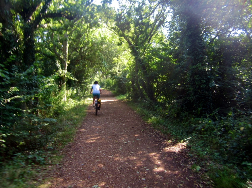 Cycling along the Causeway, from Yarmouth to Freshwater Bay