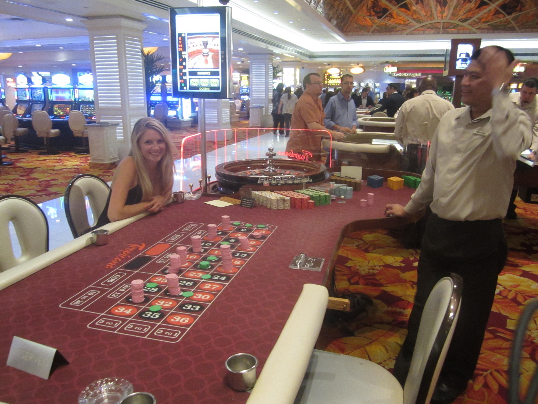 Roulette las vegas airport droidhen poker cheats