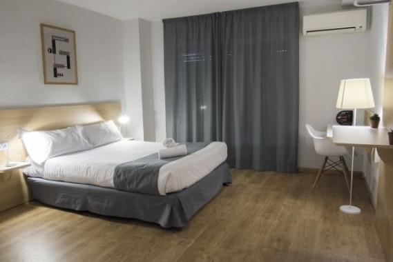 habitación-doble-cama-matrimonio-valenciaflats-rooms1-569x380