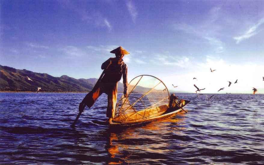 Burma lake