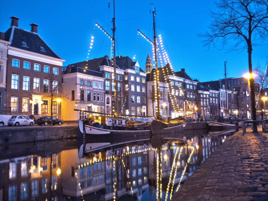 Groningen canal with Christmas lights